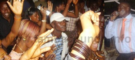 EN SOIREE A TAMBACOUNDA: NDER rend hommage à une fan's qui s'était suicidée après un refus de ses parents de la laisser assister au concert de nder