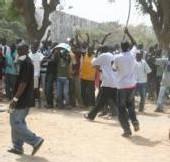 GREVE: L'université Cheikh Anta Diop a renoué avec la violence ce lundi