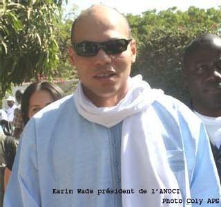 MAGAL-DON: Karim Wade offre des bâches pour eau potable