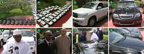 [ VIDEO ] WADE réceptionne au palais les voitures offertes par les Arabes
