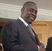 "MACKY SALL DECORE PAR LA FRANCE ""Mes parents et Me Wade on forgé ma citoyenneté"""