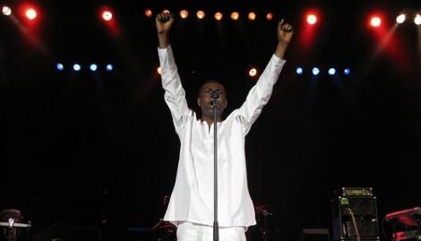 [ VIDEO ] BERCY 2008 : Youssou Ndour dans une forme olympique