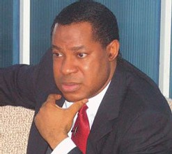 Les miracles du pasteur nigérian Chris Oyakhilome seraient montés de toute pièce