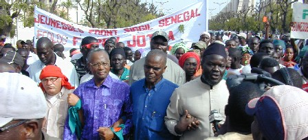 GALVANISÉ PAR LA RÉUSSITE DE SES MANIFESTATIONS DU WEEK-END: Le Front Siggil Sénégal remet ça le 1er mai