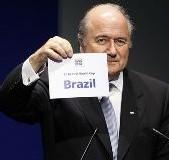 Projet de limitation du nombre de joueurs étrangers dans les clubs : Blatter impose sa loi