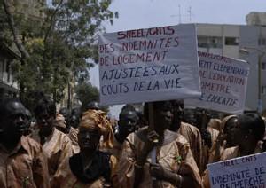 NÉGOCIATIONS GOUVERNEMENT / SYNDICAT: Les enseignants claquent la porte et marchent aujourd'hui