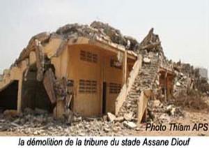 Le collectif pour la défense du stade Assane Diouf : « Le ton du discours lu devant Wade était irrévérencieux »
