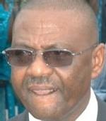 SON FILS ARRÊTÉ LORS D'UN CONTRÔLE DE ROUTINE: Pape Samba Mboup fait envoyer le policier en prison