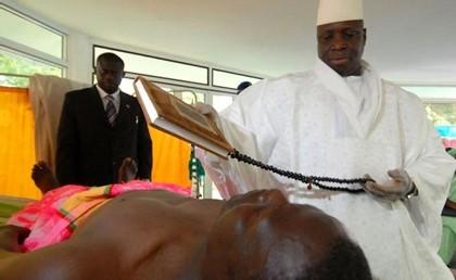 [REPORTAGE] YAYA, LE PRESIDENT QUI ''GUERIT'' LE SIDA: Enquête en Gambie pour percer le mystère