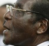 Le president Wade pour une réflexion sur les sanctions envisagées contre Mugabe