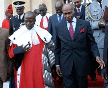 RELATIONS ENTRE EXECUTIF ET JUDICIAIRE: Comment le president Wade compte étouffer les magistrats