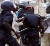 AFFRONTEMENTS ENTRES HABITANTS ET GENDARMES A DAKAR: Les accusés condamnés a la prison ferme et devront payer chacun 300.000 F aux gendarmes