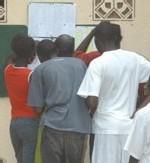 FRAUDE AU BAC : Un étudiant et un élève écopent six mois avec sursis
