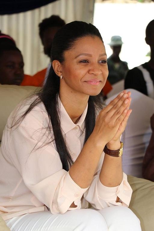 La première dame de Gambie, Zineb Yahya Jammeh, parle enfin