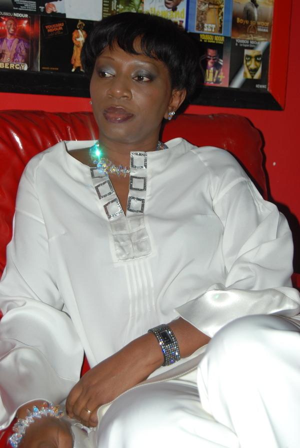 Ngoné Ndour fait reculer le ministre et attend de pied ferme la Présidence