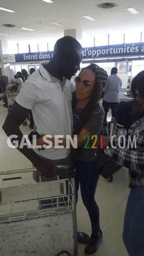 VIDEO - Malika, la femme de Assane Diouf débarque à Dakar