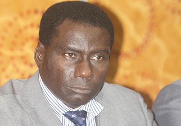 Pourquoi Macky Sall a viré Cheikh Kanté de la direction du Port de Dakar...Ce qui n'a jamais été dit sur l'ancien guitariste, hébergé à la Médina par le comédien Lamine Ndiaye...