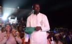Vidéo: Linguère – Youssou Ndour fait danser le ministre Aly Ngouille Ndiaye …Regardez