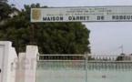 GRENADES LACRYMOGENES ET BALLES REELES CONTRE LES DETENUS DE REBEUSS: Lazare, Pape Matar Diop, Amadou Diop Ndiol et le Ibou le fou gravement blessés… des morts non identifés