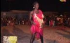 Vidéo- cette fille détrône Ndeye Guèye avec une danse sexy . Regardez