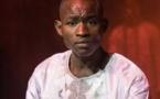 Vidéo : Bagarre au studio Prince arts : Pape Birahim corrige sévèrement Ouzin Keita Barigo