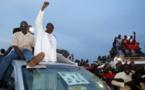 Gambie: victoire surprise d'Adama Barrow, défaite historique de Yahya Jammeh