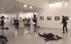 URGENT - PHOTOS - L'ambassadeur russe en Turquie tué par balle à Ankara par un membre des forces de l'ordre