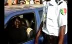 VIDEO - Un autre Policier Corrompu pris en Flagrant délit