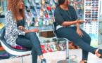 Vidéo: Des jeunes filles se posent la question comment une fille se met nue devant un homme pour se …
