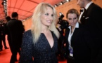 COUPLE : Pamela Anderson officialise sa relation avec Julian Assange