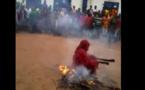 Casamance : Incroyable, regardez ce « KanKourang » qui danse sur le feu…