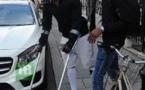 PHOTOS - Sadio Mané obligé de marcher avec des béquilles après avoir subi une…