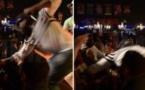 50 Cent frappe une femme en plein concert, regardez la réaction de la victime