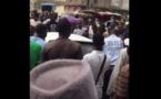 Pikine : Il agresse un handicapé en plein jour et se fait lyncher par la population….Regardez