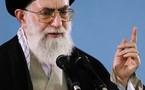 L'AYATOLLAH KHAMENEI, GUIDE SUPREME DE LA REVOLUTION ISLAMIQUE D'IRAN : L'offense au Coran n'a rien à voir avec l'Eglise et le christianisme