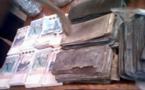 Dakar: Près de 300 millions en faux billets d'euros abandonnés sur l'autoroute