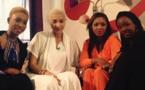 """Adja Diallo en compagnie du groupe """"Safari"""" dans """"Yendoulen"""""""