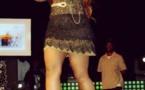 Viviane Chidid sur scène avec une robe très sexy