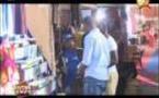 Vidéo:Fafa à la Foire en train d'acheter des produits contre l'impuissance, à mourir de rire