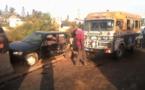 Croisement Cambérène : Les images chocs d'un accident causé par un car rapide sans frein