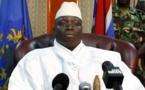 Yaya Jammeh décrète le port du voile «obligatoire» dans les administrations en Gambie