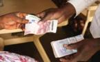 Pourquoi la France fixe-t-elle le taux du franc FCFA ? (Lemonde.fr)