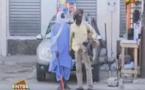 Vidéo-Camera cachée: Fafa devient un non-voyant, à mourir de rire…