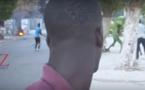 Scène inédite à l'Ucad : Regardez ce que cet étudiant a fait en pleine interview devant les policiers...
