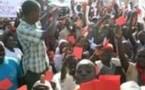 SIT-IN DES JEUNES DU FRONT SIGGIL SENEGAAL: Les manifestants brandissant des cartons rouges