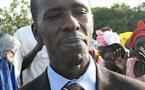 Cheikh Amar traîné par Ndongo Diaw devant la barre fait du porter-presse