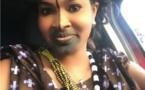 Photos- Soumboulou Bathily star de la série Wiri Wiri en mode « Peulh » dans sa voiture