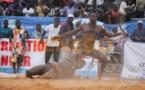 VIDEO - Pape Boy Djiné Le mari de Ndeye Gueye battu pour la 2è fois