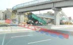 UN CAMION HEURTE UNE PASSERELLE : L'autoroute fermée sur la portion Patte d'oie-Pikine