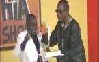 VIDEO -  Incroyable mais vrai quand Youssou Ndour himself apportait le gâteau à Kouthia